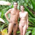 Szeretünk meztelenül lenni (nudista csoport)